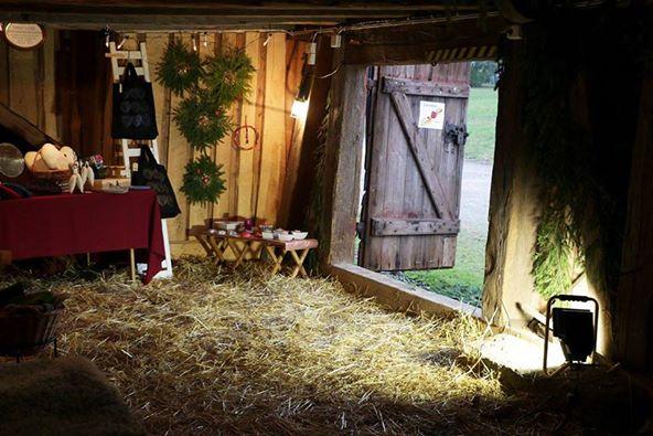 Gittas verkstad nimmt auf dem Weihnachtsmarkt in Köla-Lada teil