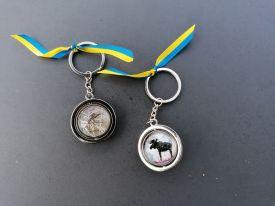 Schlüsselring-mit-Elchhaar-und-Elchbild-Gittas-verkstad