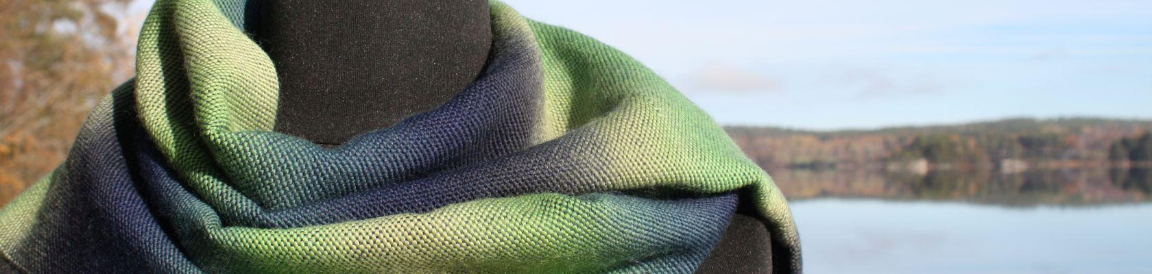 Norrsken-sjal-i-blå-grön-Gittas-verkstad