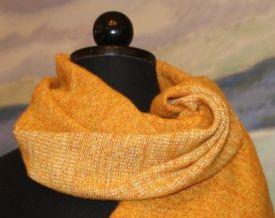 Orange-sjal-i-ulle-och-silke-Gittas-verkstad